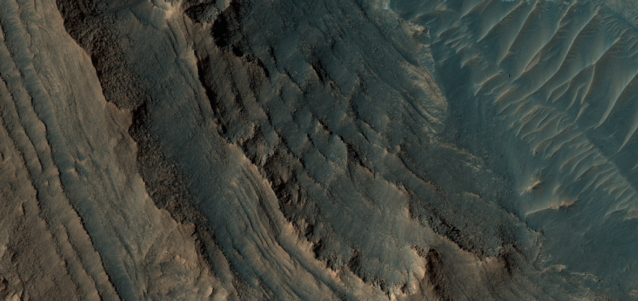 Layers in Gale Crater on the Western flank of Mt. Sharp